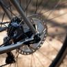 Vélo Gravel Genesis Croix de Fer Titane freins à disque