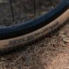 Vélo Gravel Genesis Croix de Fer Titane pneu Riddler