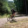 Vélo Gravel Genesis Croix de Fer Titane virage chemin