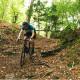 Vélo Gravel Genesis Croix de Fer 20 descente forêt