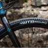 Vélo Gravel Genesis Croix de Fer 10 pneu WTB Riddler