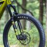 VTT électrique Moustache Samedi 27 Trail 8 roue avant