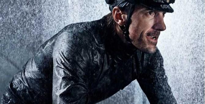 Vêtements et accessoires de pluie