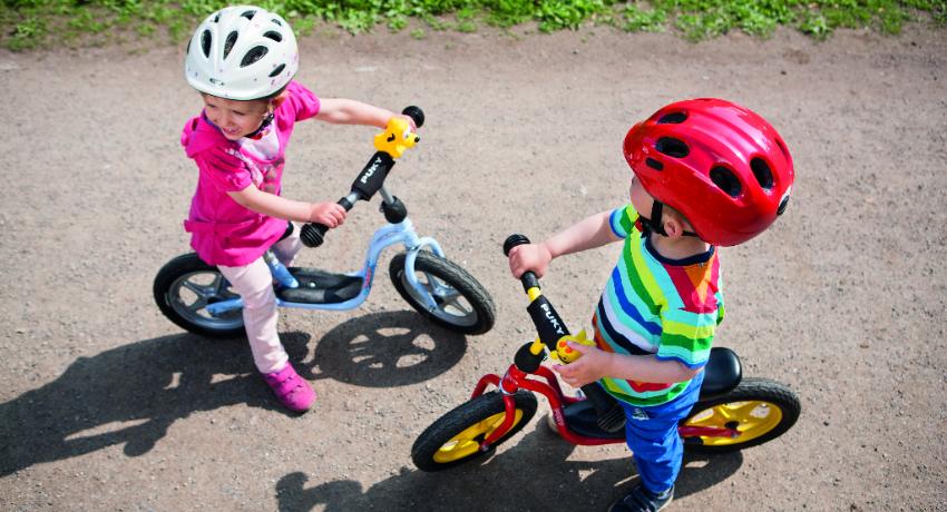 De la draisienne au vélo : témoignage d'une famille en mobilité douce