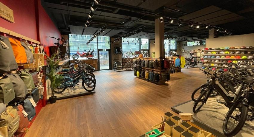 Intérieur et gammes de vélos Cyclable Genève Charmilles