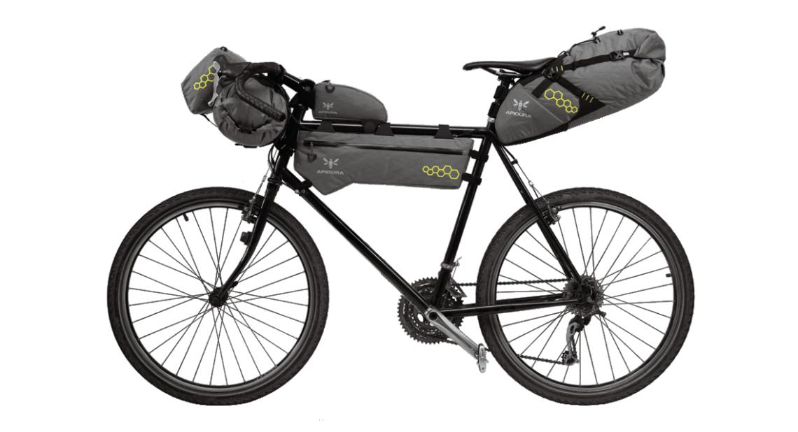 comment optimiser son v lo l aide des sacoches de bikepacking. Black Bedroom Furniture Sets. Home Design Ideas