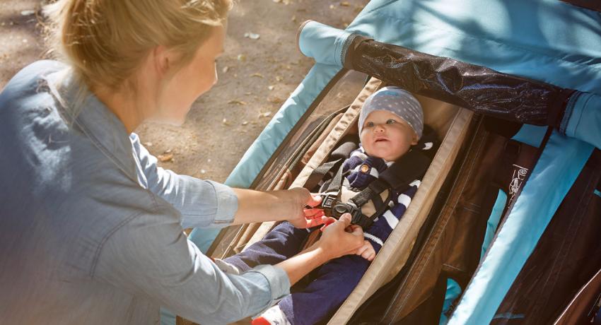 A partir de quel âge peut-on transporter un enfant dans une remorque à vélo ?