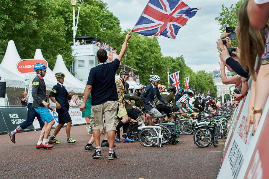 Départ course vélos pliants Brompton