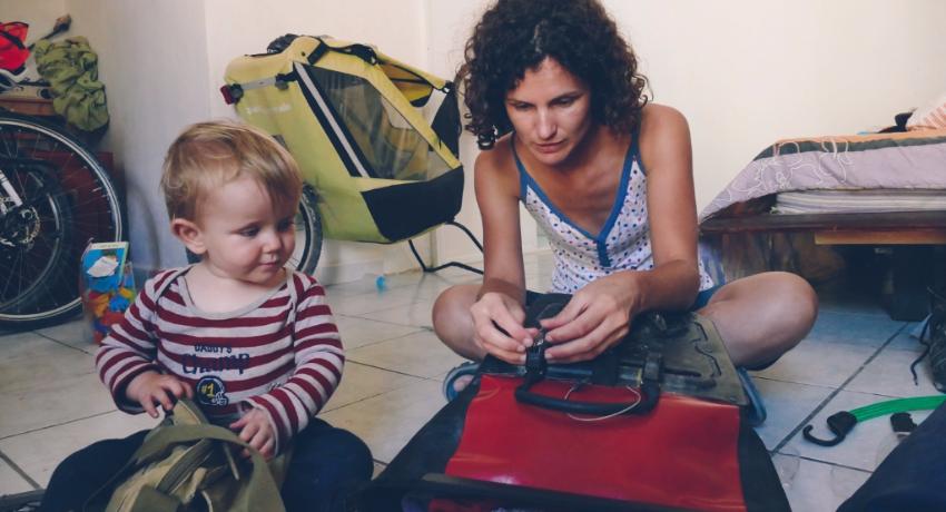 Voyage à vélo : l'art de bien remplir ses sacoches en 10 leçons