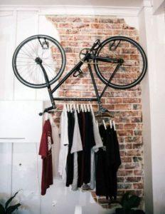 1 \u2013 Le vélo dressing