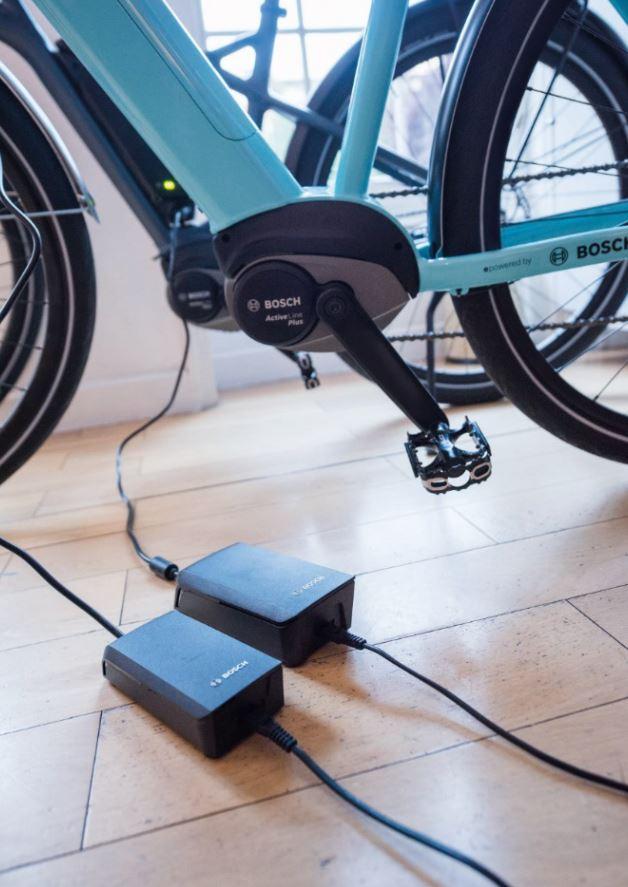 Chargement d'un vélo électrique avec chargeur Bosch