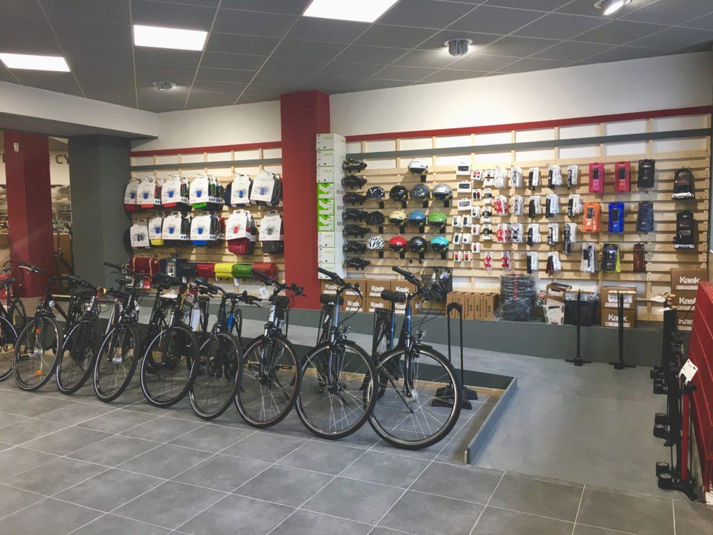 Vélos de ville dans le magasin de vélos Cyclable Caen