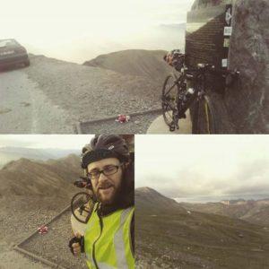 Photos de voyage avec vélo gravel et sacoches bikepacking Baptiste