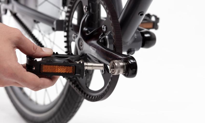 Gros plan sur éléments techniques vélo cargo compact Ahooga
