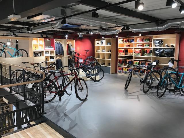 Vélos randonnée et accessoires vélo trekking à Cyclable Lille Nord