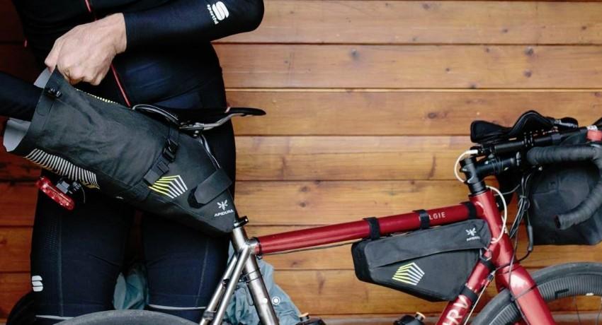 Des nouvelles sacoches de bikepacking chez Apidura