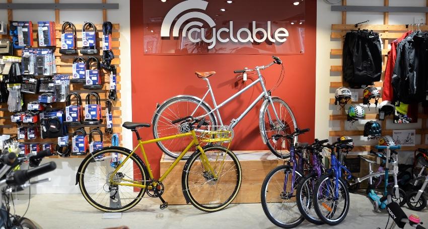 Vélos à l'intérieur de la franchise Cyclable La Garenne
