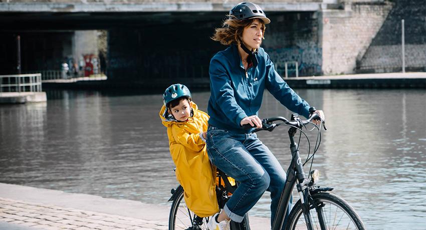Comment se protéger de la pluie à vélo ?