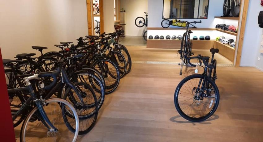 Linéaire de vélos électrique chez Cyclable Tours Nord