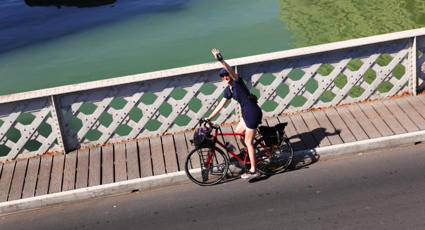Julie à vélo collaboratrice Cyclable