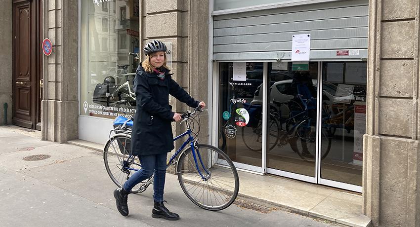 Léa à vélo collaboratrice Cyclable